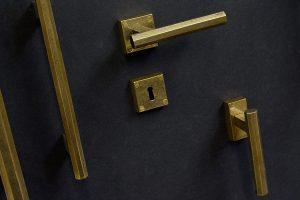 Maniglia otta personalizzata finitura bronzo